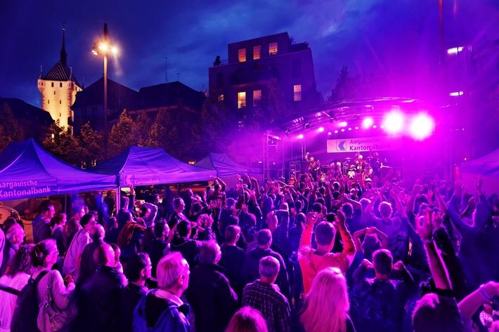 Live auf dem AKB Roadrunner: Stefanie Heinzmann und Band