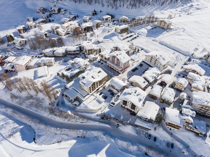 Samnaun im Wintermantel - Schneevergüngen direkt vor der Hoteltür