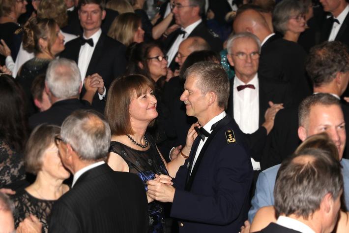 Mit Frau Antje zum Ball der Streitkräftebasis (FOTO)