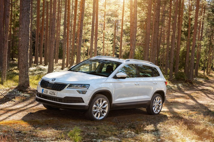 SKODA KAROQ gewinnt bei Leserwahl ,Autonis' als beste Designneuheit unter allen Kompakt-SUV