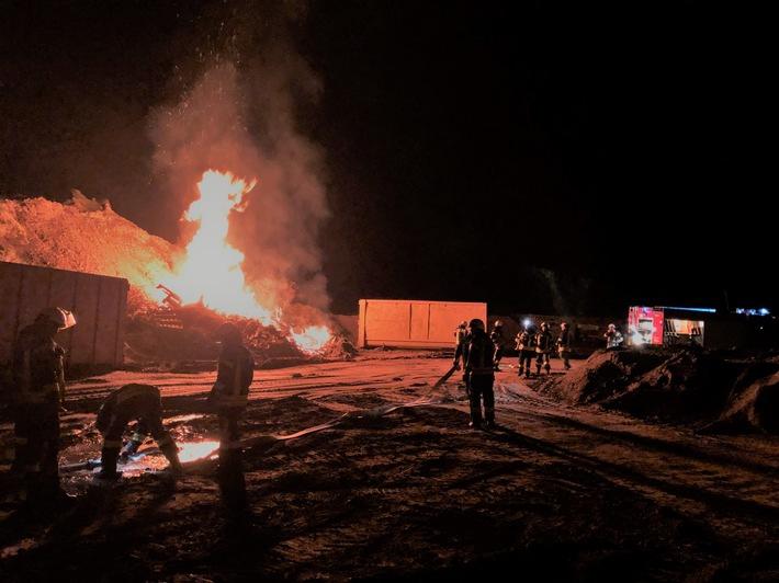 Brand auf dem Gelände des Recyclinghofes in Altdorf.