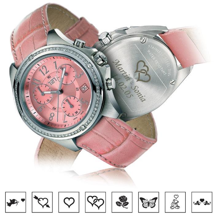 """Une montre pour déclarer votre flamme ! Déclarez votre flamme pour la St-Valentin avec une montre 121TIME, sur laquelle vous pouvez graver au dos du boîtier un symbole ainsi qu'une déclaration d'amour (cf. image de la """"Metropolitan"""" sertie de diamants authentiques). A la boutique virtuelle www.121time.com, le client est son propre concepteur et assemble lui-même sa montre Swiss Made, un modèle unique qui symbolise sa personnalité. ! Tout un Trend ! Texte complémentaire par ots. L''utilisation de cette image est pour des buts redactionnels gratuite. Reproduction sous indication de source: """"obs/Factory 121 SA"""""""
