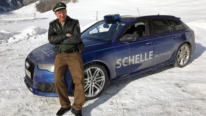 """GRIP - Das Motormagazin: """"Maserati gegen Hochgeschwindigkeitszug"""""""