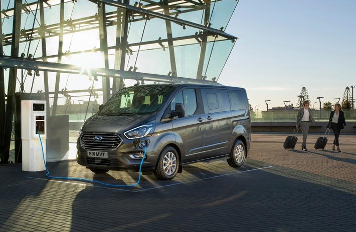 """Ford präsentiert Tourneo Custom mit Plug-In-Hybrid-Antrieb. Weiterer Text über ots und www.presseportal.de/nr/6955 / Die Verwendung dieses Bildes ist für redaktionelle Zwecke honorarfrei. Veröffentlichung bitte unter Quellenangabe: """"obs/Ford-Werke GmbH"""""""