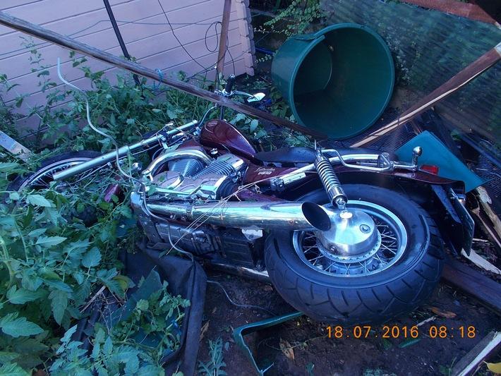 POL-PDLU: Motorradfahrer schwer verletzt