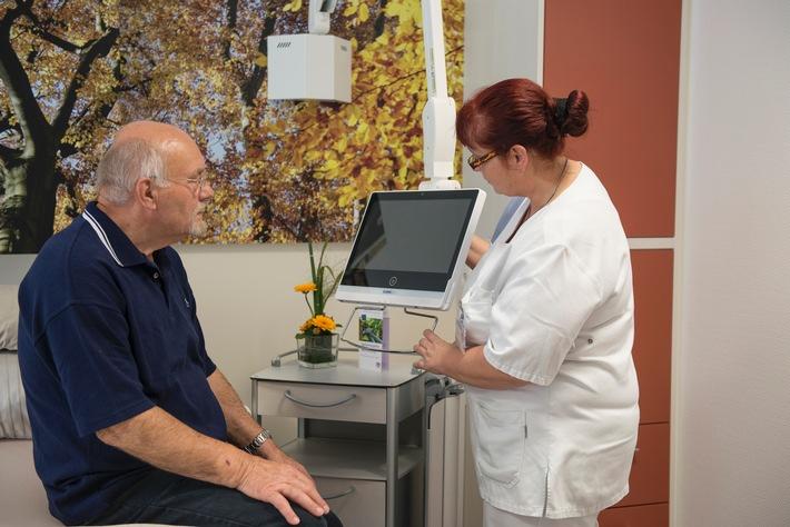 Neue Komfortstation der renommierten Lungenklinik Hemer punktet mit Bedside Terminals von ClinicAll