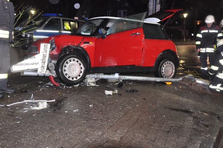 POL-OL: +++ Hoher Sachschaden nach Unfall auf dem Niedersachsendamm +++