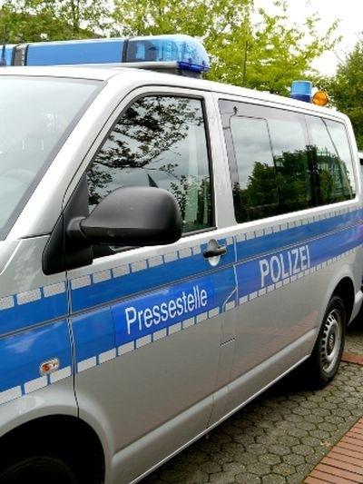 POL-REK: 170913-1: Radfahrerin nach Verkehrsunfall verletzt- Bedburg