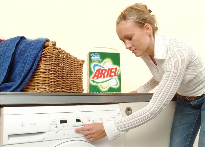 """Energiesparen leicht gemacht... durch Waschen bei niedrigeren Temperaturen / Ariel startet bundesweite Kampagne """"kalt-aktiv"""""""