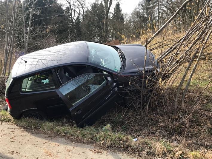 FW-EN: Verkehrsunfall mit einer verletzten Person