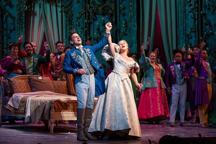 Juan Diego Flórez als Alfredo und Diana Damrau als Violetta in Verdis LA TRAVIATA an der Metropolitan Opera New York / Weiterer Text über ots...</a></div> </figure> </div> </div> </div> </div><div class=