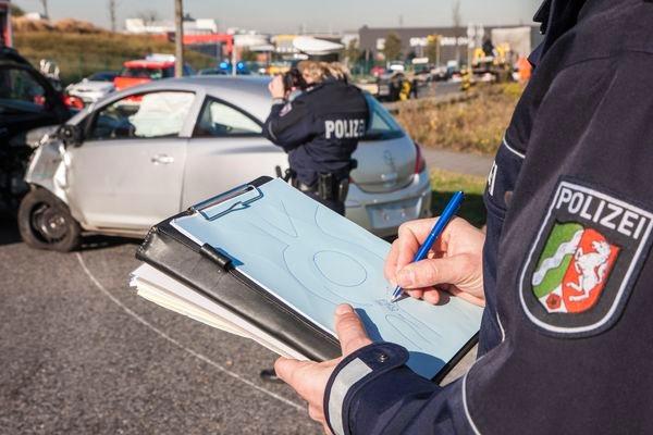 POL-REK: 170801-1: Betrunkener Autofahrer verursacht Verkehrsunfall-Erftstadt
