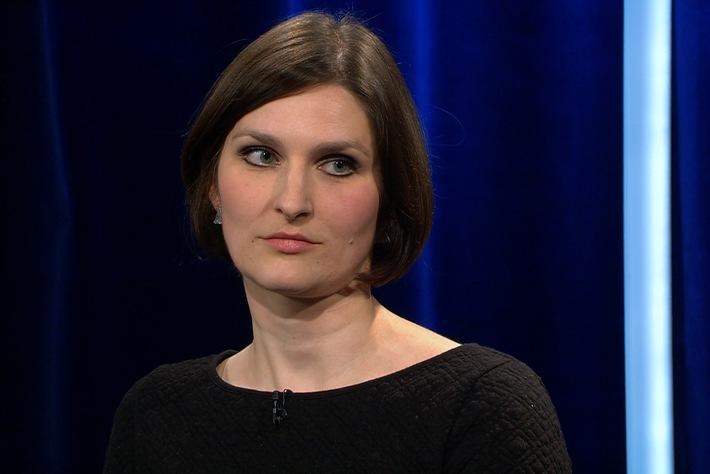 Journalistin Elisabeth Lehmann / Weiterer Text über ots und www.presseportal.de/nr/7880 / Die Verwendung dieses Bildes ist für redaktionelle Zwecke unter Beachtung ggf. genannter Nutzungsbedingungen honorarfrei. Veröffentlichung bitte mit Bildrechte-Hinweis.