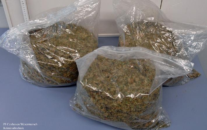 POL-CUX: Dynamischer Drogenhandel gestoppt -- Polizei beschlagnahmt 5 Kilo Marihuana (Bildanlage)