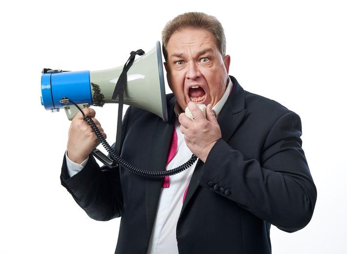 """news aktuell lädt ein ins SUPER COMMUNICATION LAND. Am 21. März 2019 präsentiert die dpa-Tochter in Hamburg ein neues Event-Format, das sich an PR- und Marketing-Verantwortliche richtet. Programm-Highlight ist ein Talk mit Oliver Kalkofe, einem der bekanntesten und beliebtesten Comedians Deutschlands. Fotograf: © Steffen Jänicke / Weiterer Text über ots und www.presseportal.de/nr/6344 / Die Verwendung dieses Bildes ist für redaktionelle Zwecke honorarfrei. Veröffentlichung bitte unter Quellenangabe: """"obs/news aktuell GmbH/www.steffen-jaenicke.de"""""""