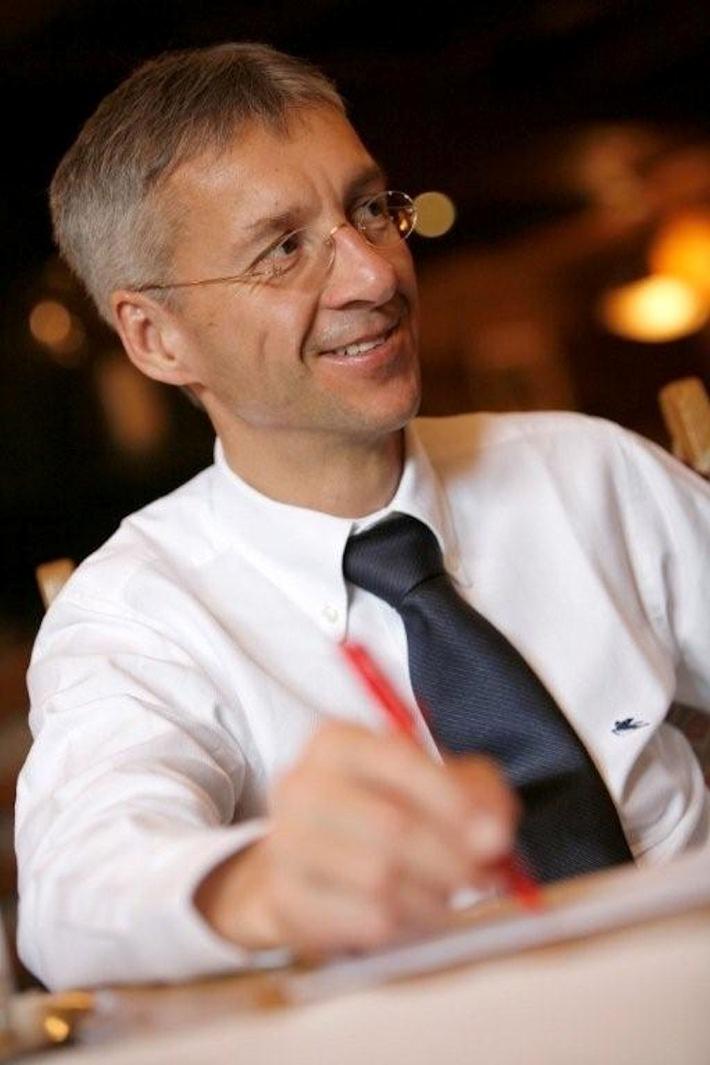 """Gerhard Walter wird mit 1. Oktober 2010 die Geschäftsführung der VERBUND Tourismus GmbH übernehmen. Die Verwendung dieses Bildes ist für redaktionelle Zwecke honorarfrei. Veröffentlichung bitte unter Quellenangabe: """"obs/Lech Zürs Tourismus GmbH"""""""