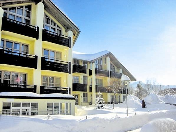 Eigenanreise: Neue Zusammenarbeit mit Maritim Hotels und Sonnenhotels / alltours nimmt Polen ins Katalogprogramm auf und baut Angebot in Wintersportregionen aus