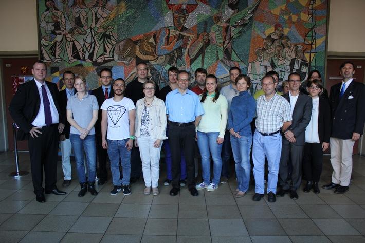 Fernuni Schweiz startet erfolgreich den ersten eigenen Master-Studiengang (BILD)