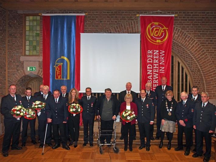 Feuerwehr Kalkar: Ehrungen der Freiwilligen Feuerwehr Stadt Kalkar