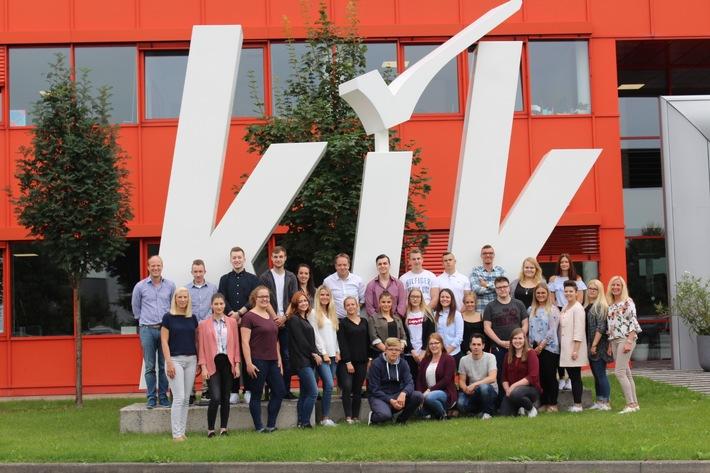 30 Auszubildende starteten am 1. August 2017 ihre Ausbildung in der KiK- Europazentrale in Bönen