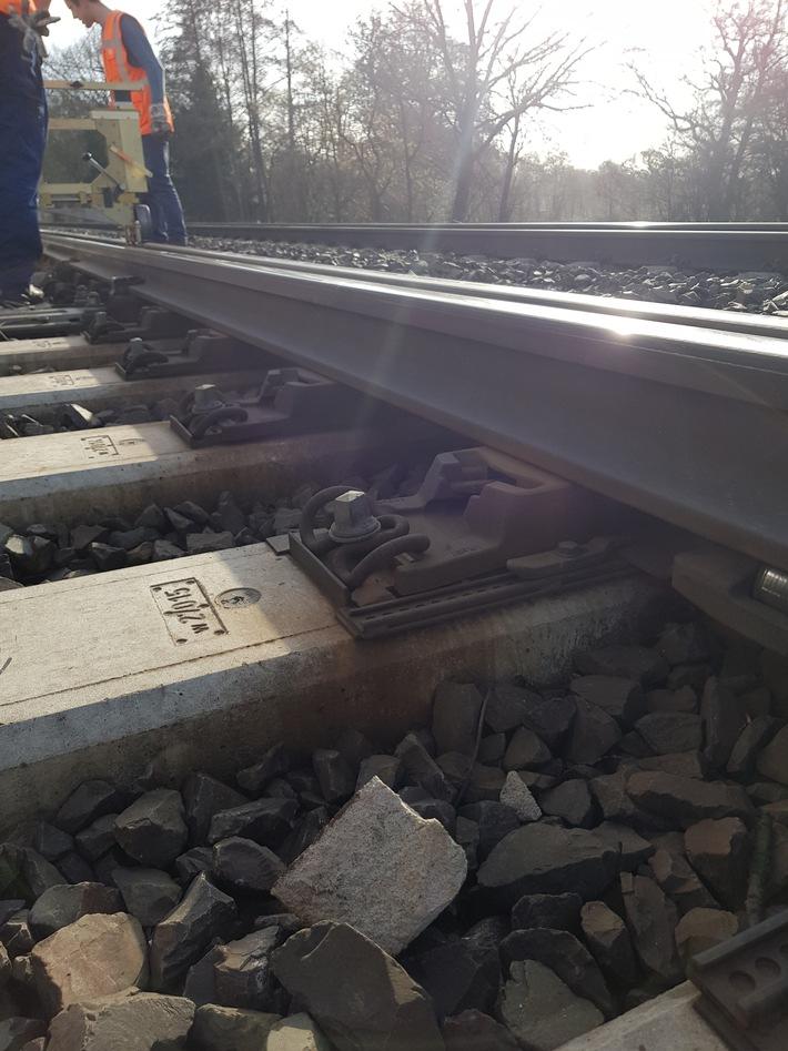 BPOL-HB: Zehn gefährliche Eingriffe in den Bahnverkehr in Bremen-Oberneuland