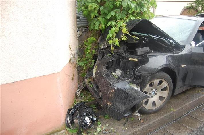 POL-PPWP: Unfall mit sechs verletzten Personen