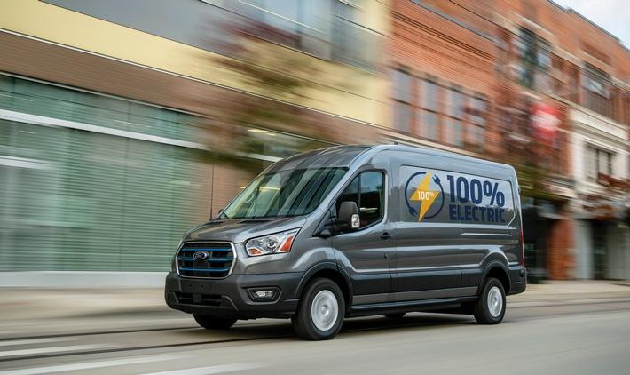 Mit den neuen Ford-Tools für Elektrofahrzeuge, die sich zum Beispiel auf typische Daten wie Stromverbrauch, Ladegeschwindigkeit oder auch die Restreichweite beziehen, können die Flottenmanager den Einsatz ihrer Fahrzeuge besser steuern, um die Betriebskosten und die Betriebszeiten zu optimieren. Warnungen benachrichtigen die Flottenmanager, wenn die Batterie eines Fahrzeugs nicht plangemäß geladen wird. Das Bild zeigt den neuen Ford E-Transit, der Anfang 2022 in Europa auf den Markt kommt. / Weiterer Text über ots und www.presseportal.de/nr/6955 / Die Verwendung dieses Bildes ist für redaktionelle Zwecke honorarfrei. Veröffentlichung bitte unter Quellenangabe: