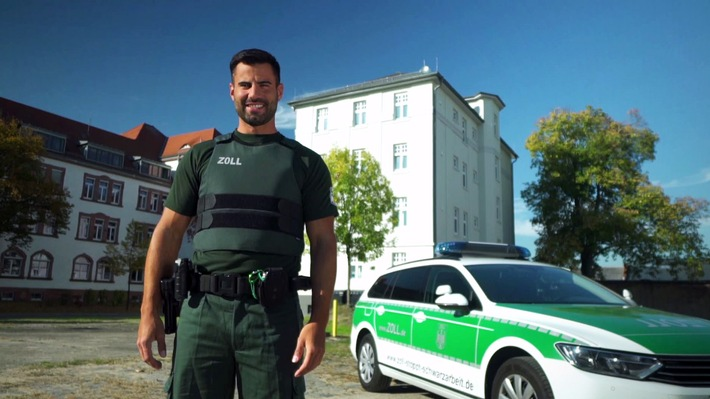 """""""Ich bin Selbstverteidigungstrainer und schlage den Henssler!"""" Zollbeamter Jup aus Frankfurt will Steffen Henssler besiegen - live auf ProSieben"""