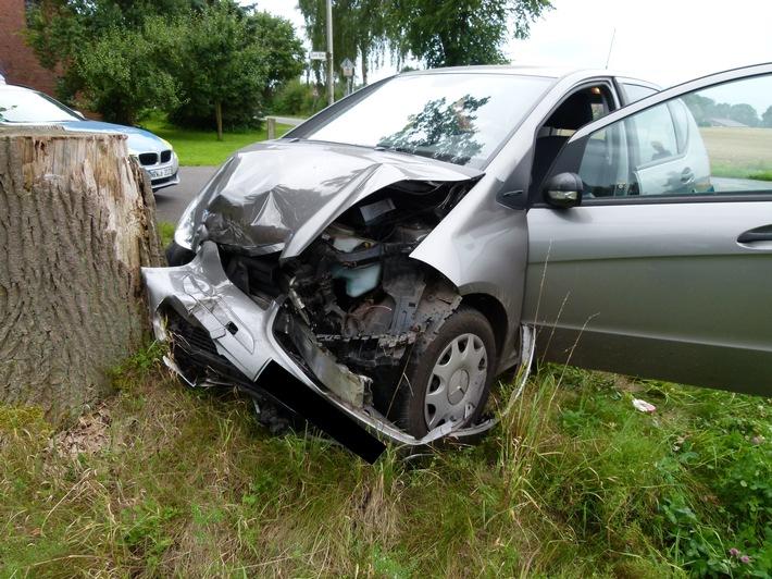 POL-MI: Mercedes kracht in Opel