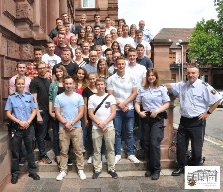 POL-PPWP: Angehende Polizisten schnuppern Westpfalz-Luft