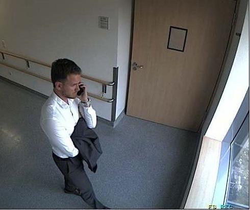 Krankenhaus-Diebstahl - Wer kennt diesen Mann?  Hinweise an das KK36 unter 0228/150.