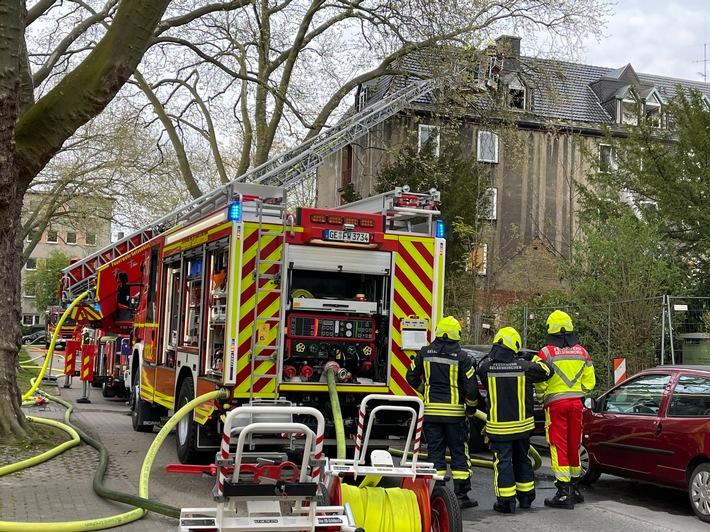 FW-GE: Erstinformation Feuer in einem leerstehenden Gebäude in Gelsenkirchen-Ückendorf