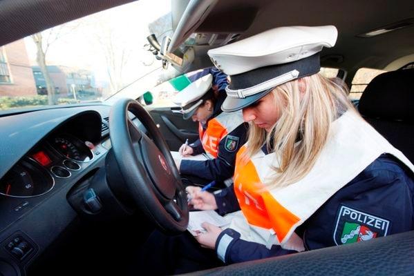 POL-REK: Verkehrsunfall in Tiefgarage - Frechen