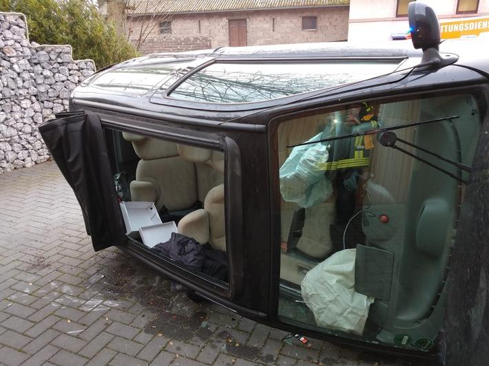 Verkehrsunfall mit PKW in Waldbauer-Eicken