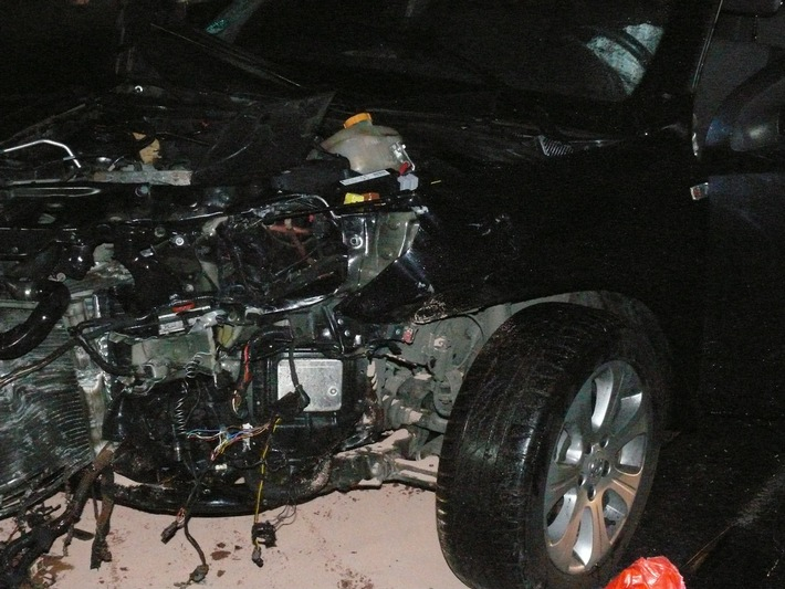 POL-DN: Drei Schwerverletzte und circa 12000 Euro Sachschaden