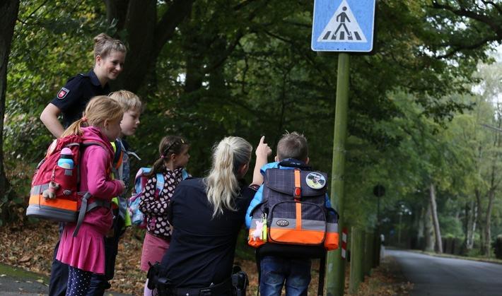 POL-OS: Sicherer Schulweg - Polizei sensibilisiert Verkehrsteilnehmer für verstärkten Schulbetrieb jüngerer Schüler