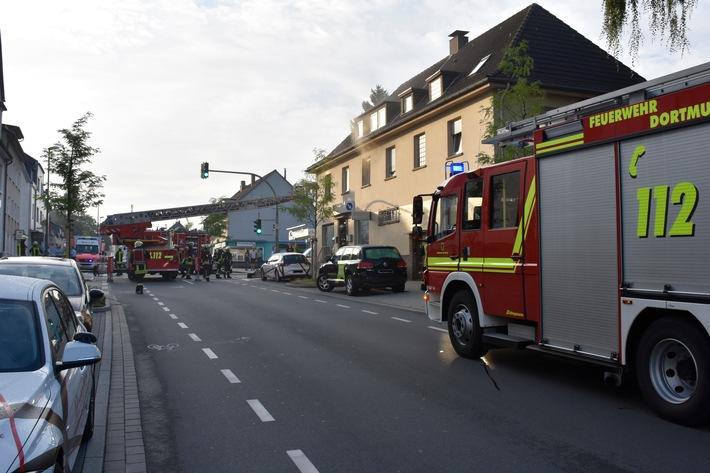 Wegen der eingesetzten Drehleiter musste die Berghofer Straße zeitweise gesperrt werden