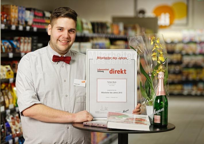 """Torben Bock ist """"Mitarbeiter des Jahres 2015"""" im Lebensmitteleinzelhandel"""