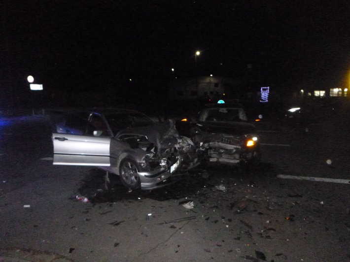 POL-PDKH: Verkehrsunfall mit Personenschaden Gemarkung Simmertal (21.02.2018, 18:45 Uhr)
