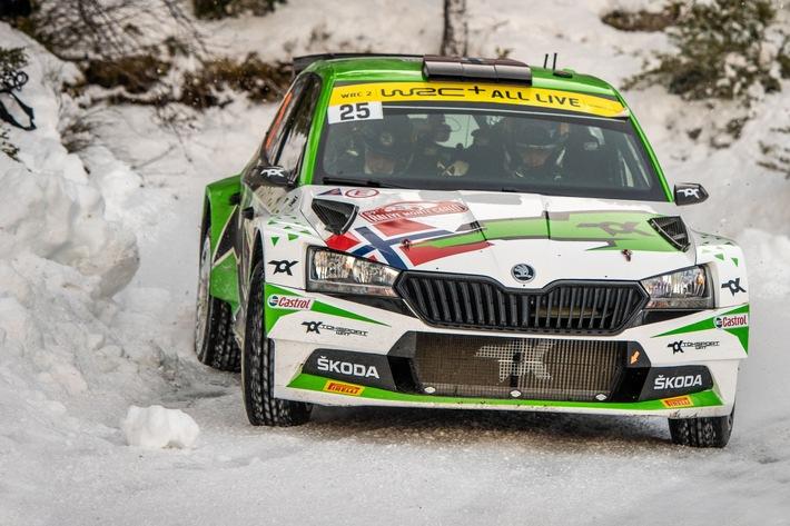Rallye Monte Carlo: Von SKODA Motorsport unterstützter Andreas Mikkelsen gewinnt WRC2 (FOTO)