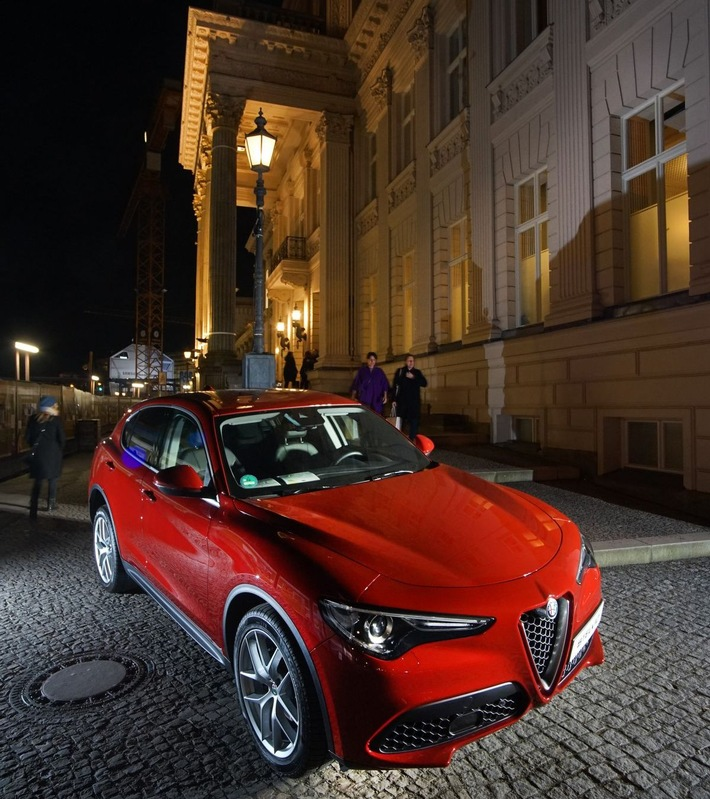 Pressefotos: Alfa Romeo bei Gianni Versace, Retrospective