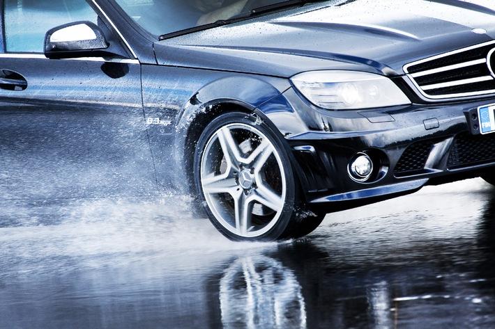 """Nokian-Reifen ist Testsieger im Sommerreifen-Test 2012 von """"Auto Bild"""" / Nokian Testsieger auch bei """"Auto Zeitung"""" und """"gute Fahrt"""" / Bestnoten """"Vorbildlich"""", """"sehr empfehlenswert"""" und """"sehr gut"""""""