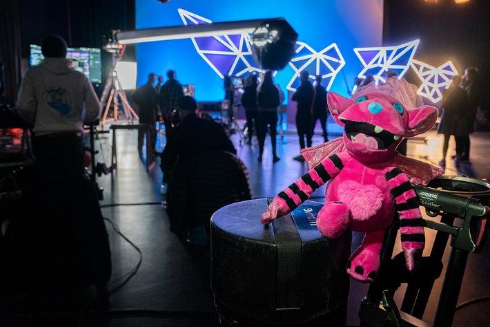 """""""Das Monster"""" von """"The Masked Singer"""" ab 10. März 2020 als """"Plüsch-Monsterchen"""" erhältlich"""