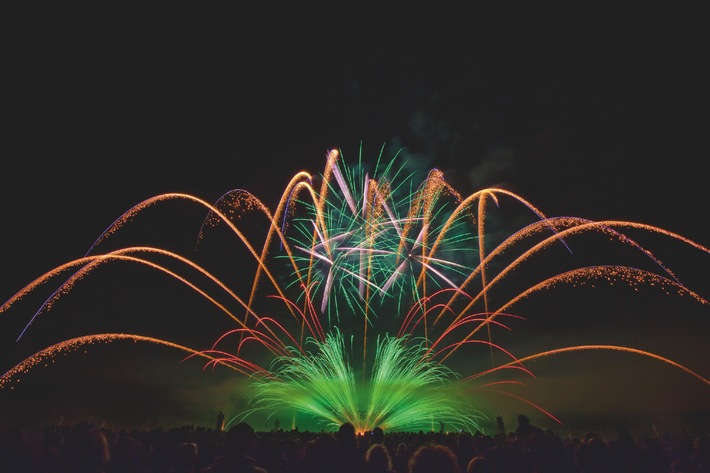 Hannover presents world-class fireworks artistry (BILD)