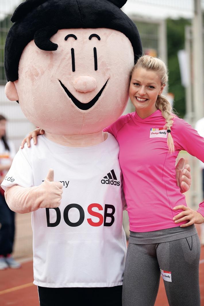 Familien-Sportabzeichen zahlt sich aus / Ernsting's family geht mit dem Deutschen Sportabzeichen auf bundesweite Tour und belohnt sportliche Familien mit Einkaufsgutscheinen