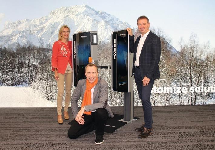 BILD zu OTS - Präsentation des ersten Gates, an dem das Handy zum Ski-Ticket wird.