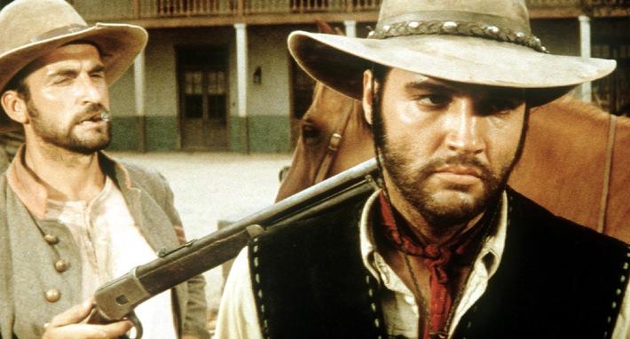 Zweimal auf Tele 5 im Visier: Elvis Presley auf Eastwoods Spuren in 'Charro' (Foto) - und als Halbblut in seinem besten Film 'Flammender Stern'.  19.09.2006, 20.15 Uhr Abdruck honorarfrei bei redaktioneller Nennung von Tele 5