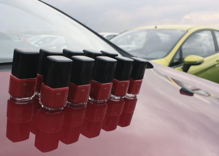 """Ford Fiesta: Nagellack in Hot Magenta und Wackelbilder zum Marktstart  / Das Motto am 11. Oktober lautet: """"Mitten im Jetzt. Fiesta. Der neue Ford"""""""