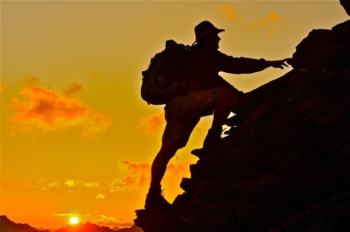Am 19.7.2014 werden Gipfel und Täler, Almen und Wiesen des Alpbachtals und der Wildschönau für einen Tag und eine Nacht zum ständigen Begleiter der Wanderer.