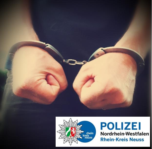Symbolbild Polizei: Festgenommener in Handschellen